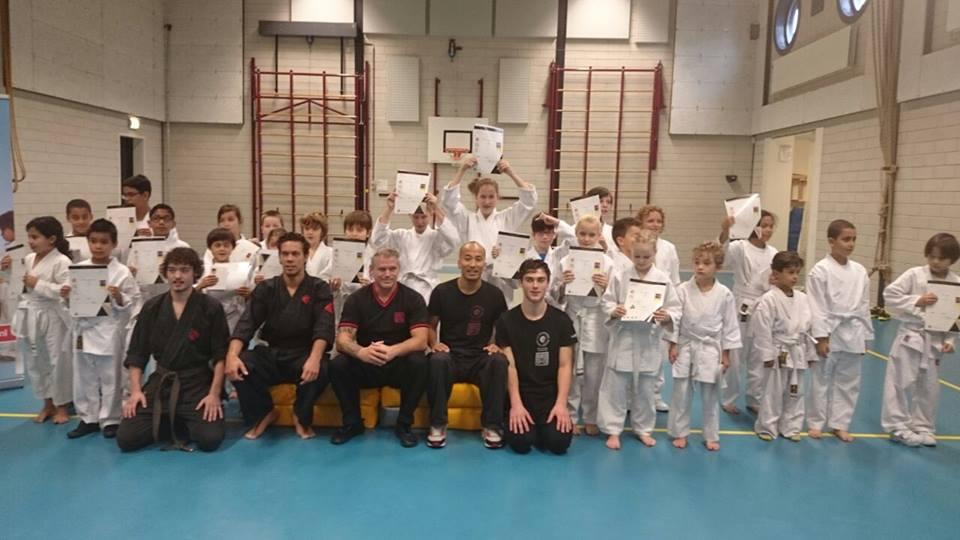 Kungfu Almere: Examen Jing Wu Kids in tussen de vaarten.